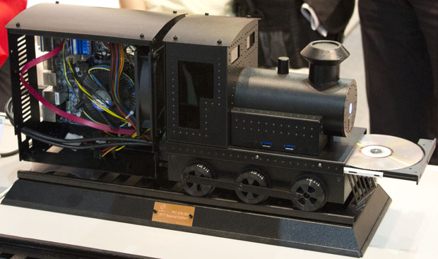 Computer Case Mods at Computex 2012 Case Mod 5