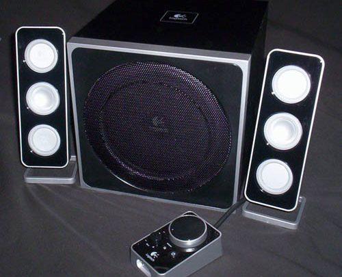Photo of Logitech Z4 2.1 Speakers