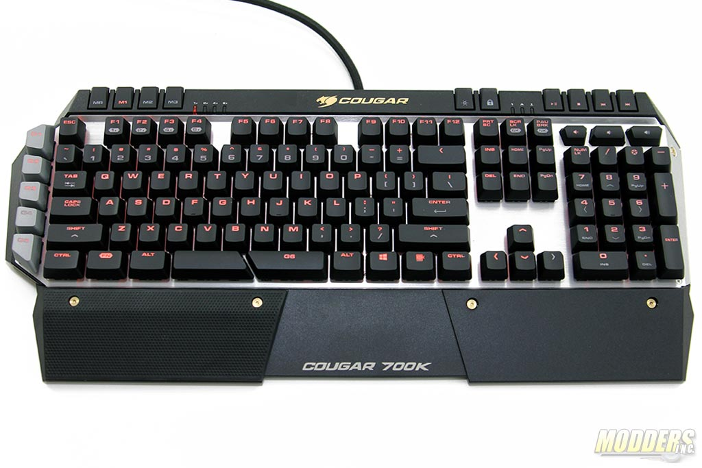 Cougar 700K with wrist-rest