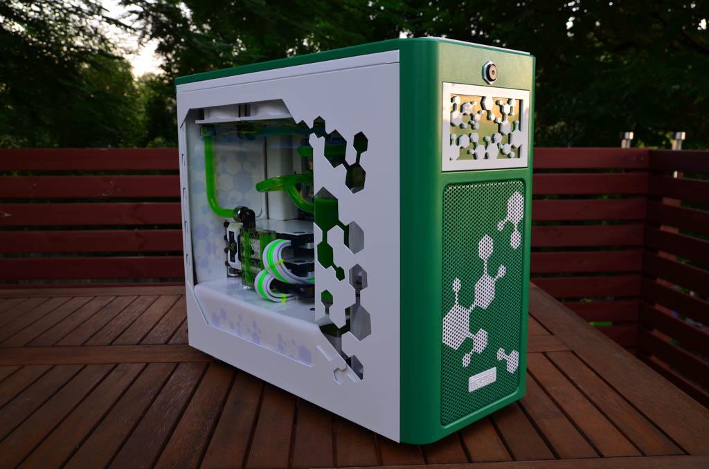 Green Molecule by Alex Ciobanu casemod, EKWB, fractal design 1