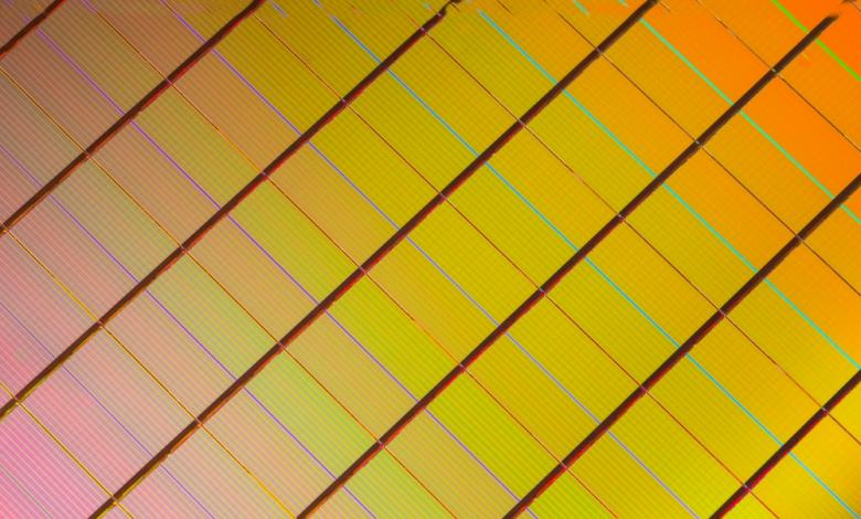 Photo of Intel and Micron Produce Breakthrough Memory Technology