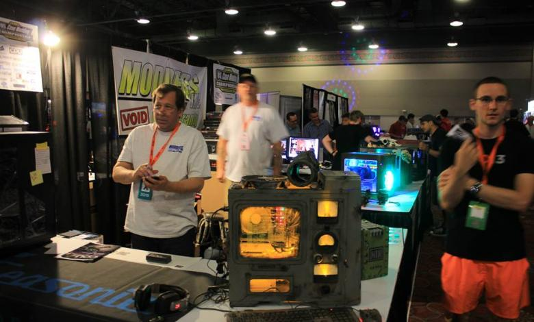 Photo of Tek Syndicate stops by the Modders-Inc booth at QuakeCon 2015
