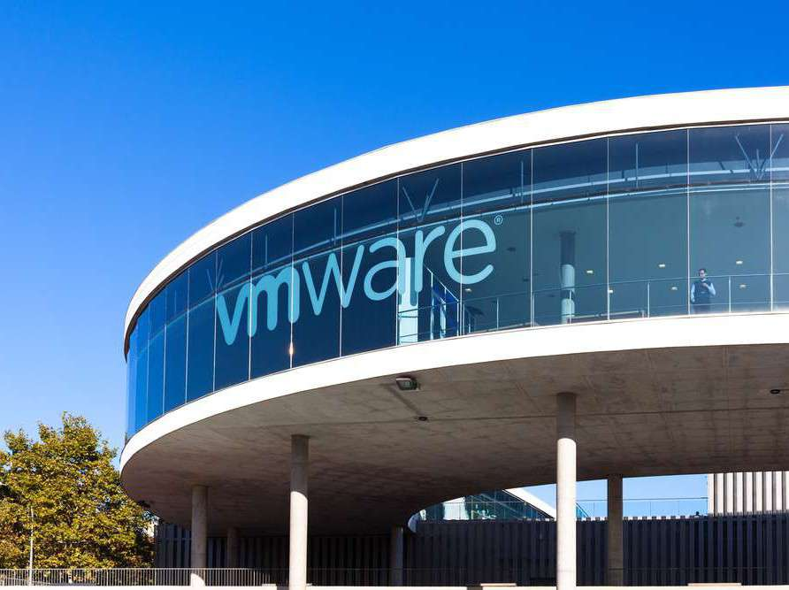 EMC Considers a Buyout by Its Own Subsidiary VMware Buyout, EMC, VMware 1