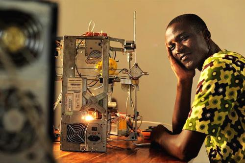 #INSPIRATION: West African Inventor Creates $100 3D Printer from E-Waste 3d printer e waste Inventor and printer
