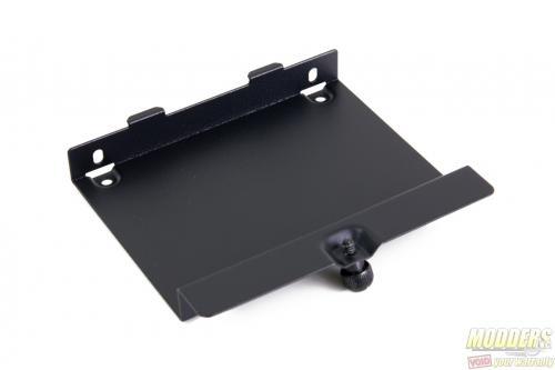 """MasterBox 5 2.5"""" metal mount"""
