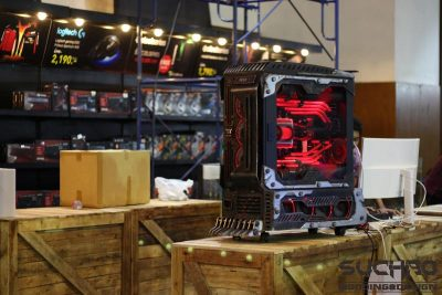Suchao Prowphong's Deathrace casemod