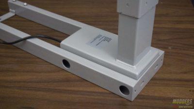 λutonomous-λ SmartDesk 2 Review Motor mount fastened to center frame