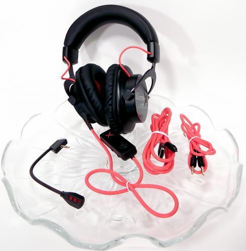 Creative Sound BlasterX Pro-Gaming H7 Tournament Edition Gaming Headset Display