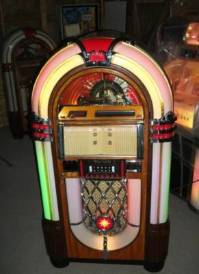 EVGA Jukebox Case Mod Wurlitzer jukebox 17