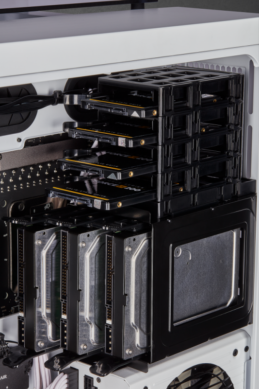 Corsair 680X RGB Drive Rack