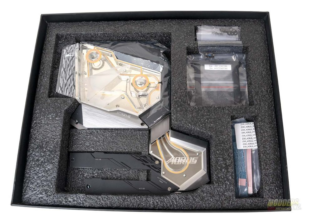 Aorus Xtreme Waterforce Motherboard Review DSC00338