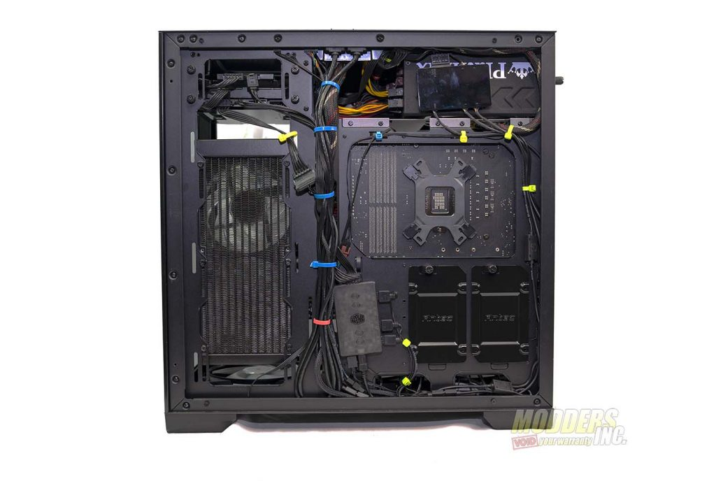 Antec P120 Crystal cable management