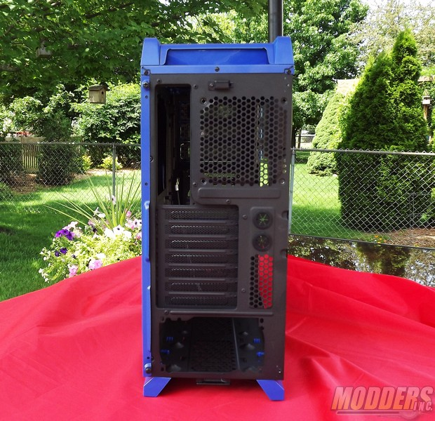 Thermaltake Chaser A31 Mid Tower Computer Case included hardware